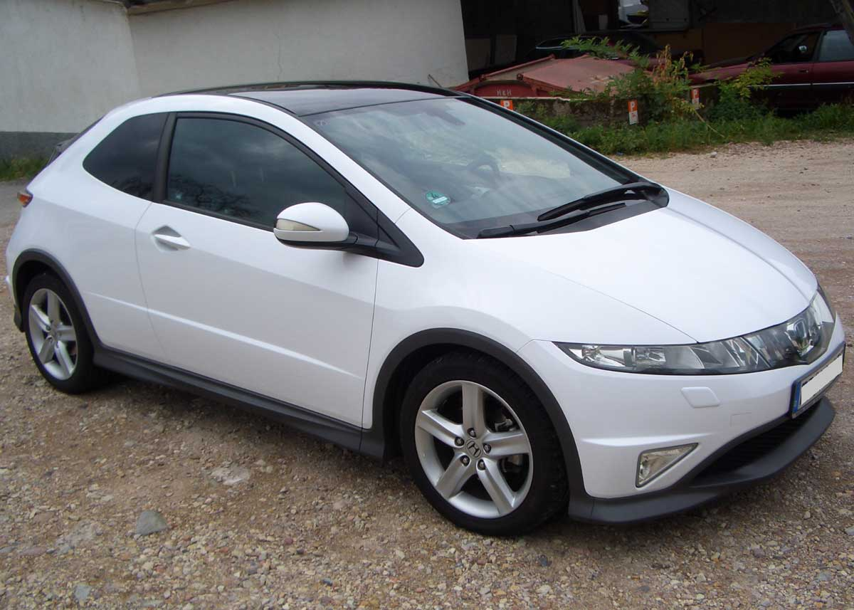 Honda Civic weiß foliert