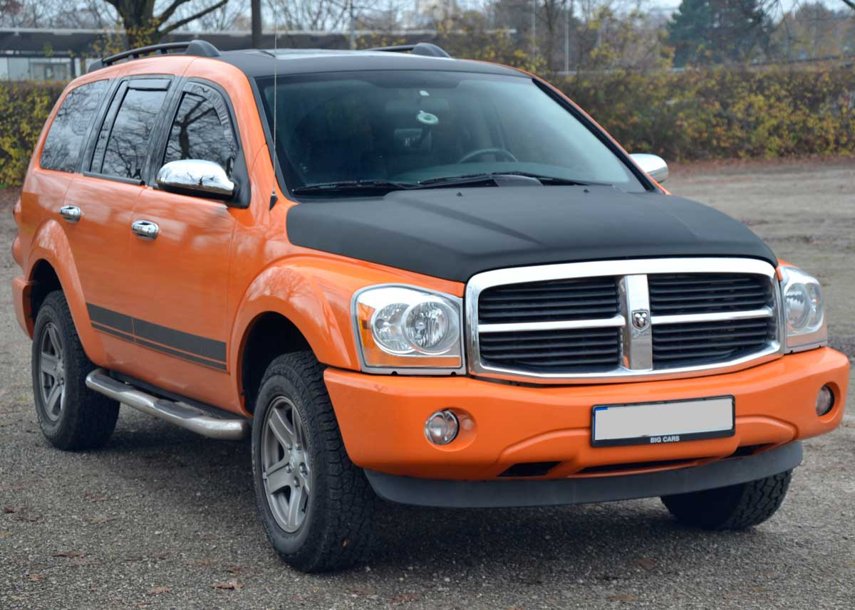 Dodge Durango in orange und Carbon-schwarz foliert